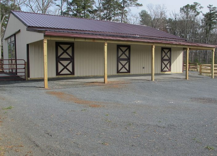 custom private horse barns